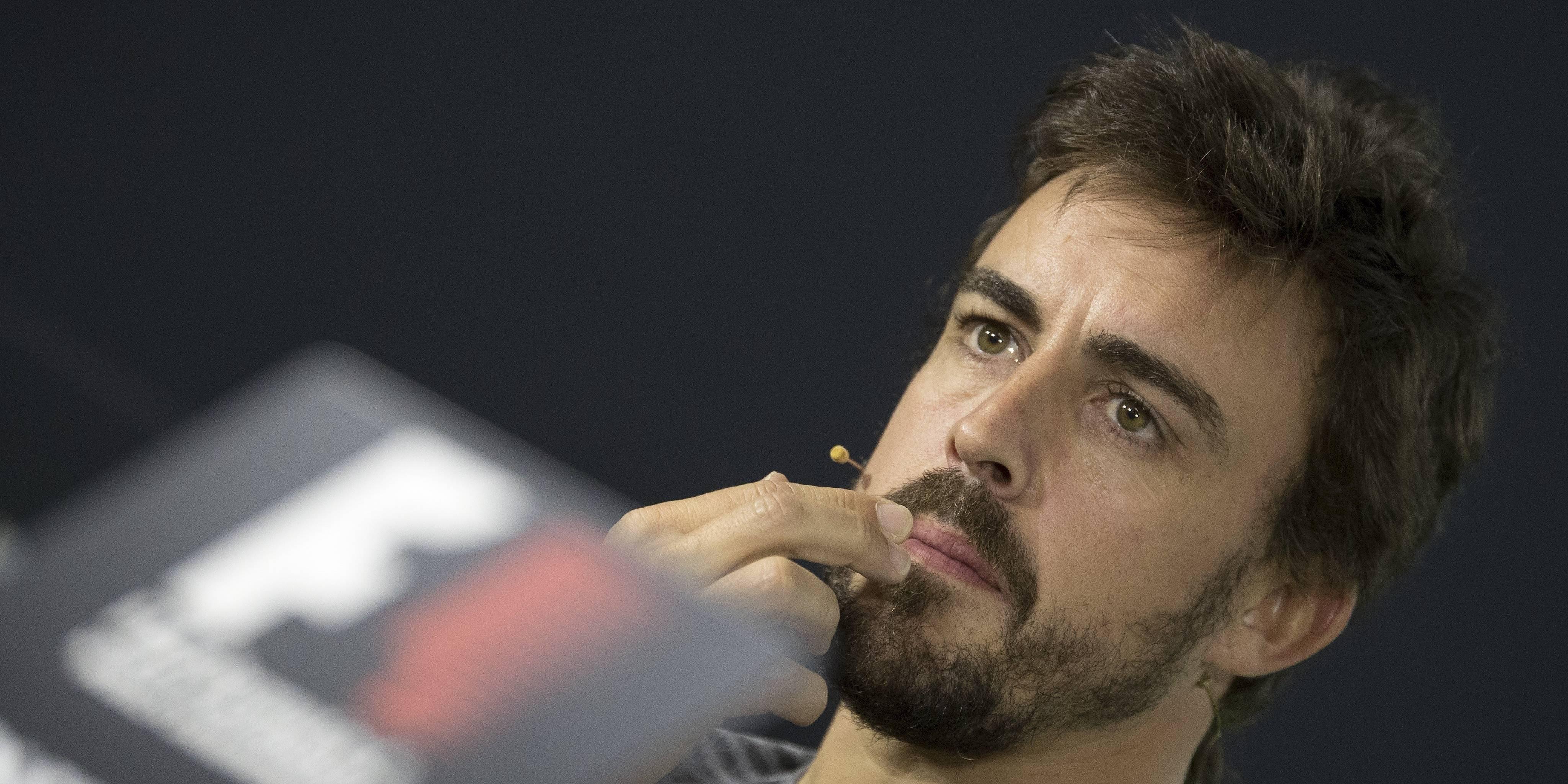 Fernando Alonso practica el triatlón dentro de su preparación para la Fórmula 1.