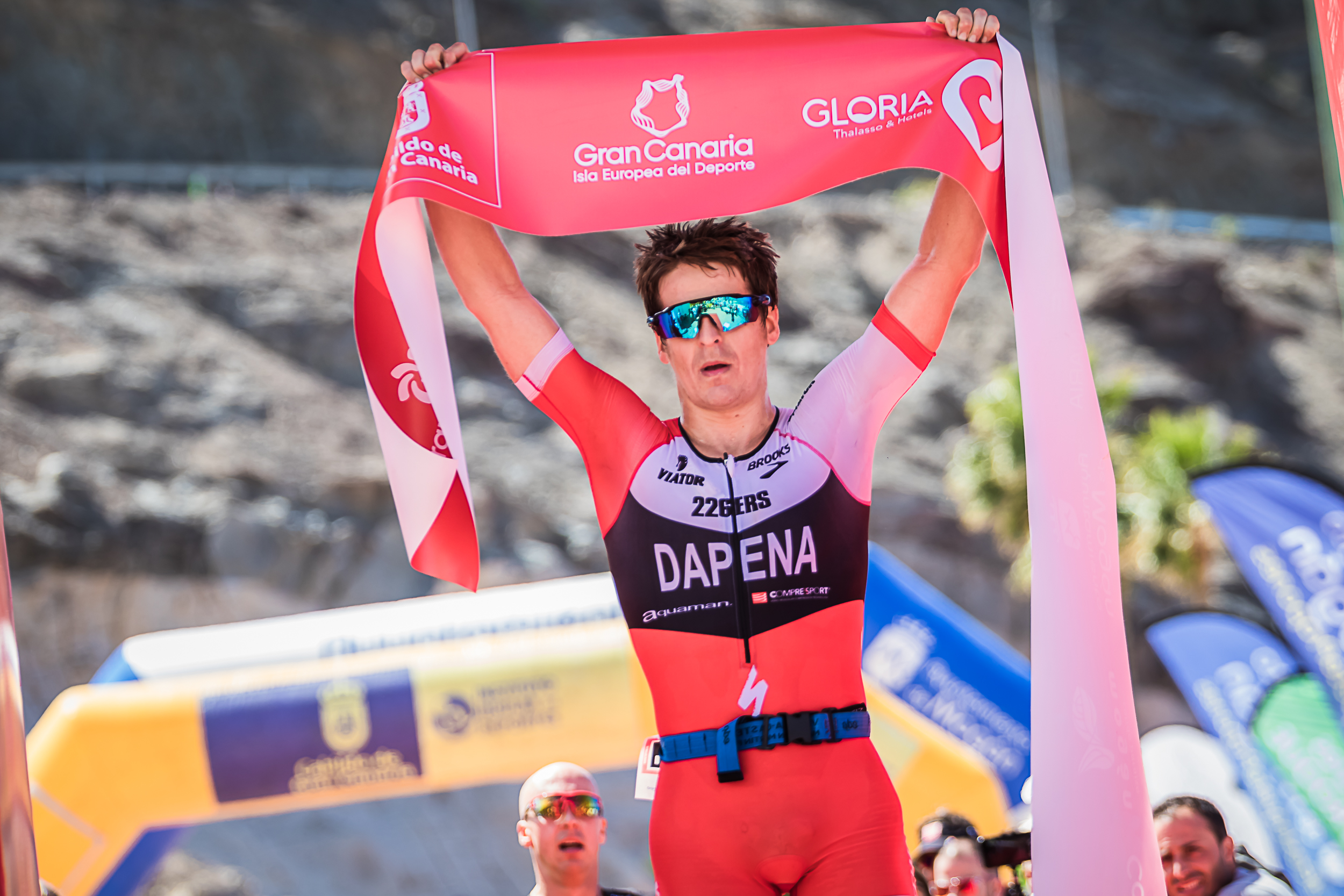Pablo Dapena e Yvonne Van Vlerken se alzan como ganadores de Gloria Challenge Mogán Gran Canaria 2018