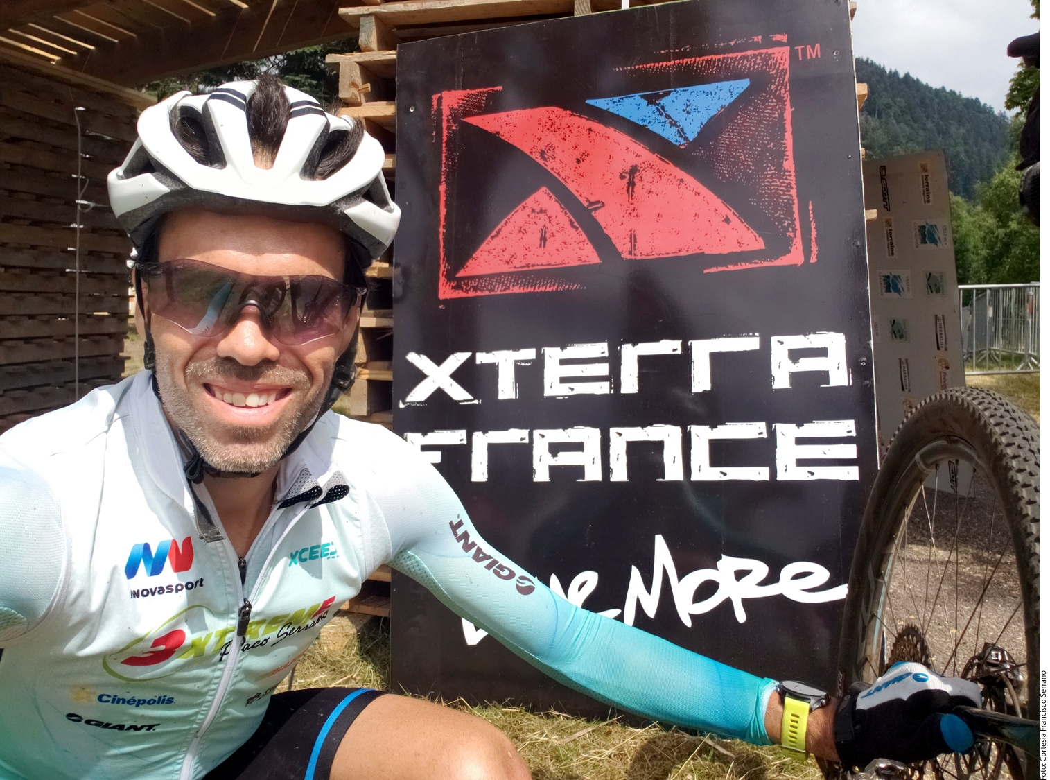 Paco Serrano logra sexto lugar en Francia.