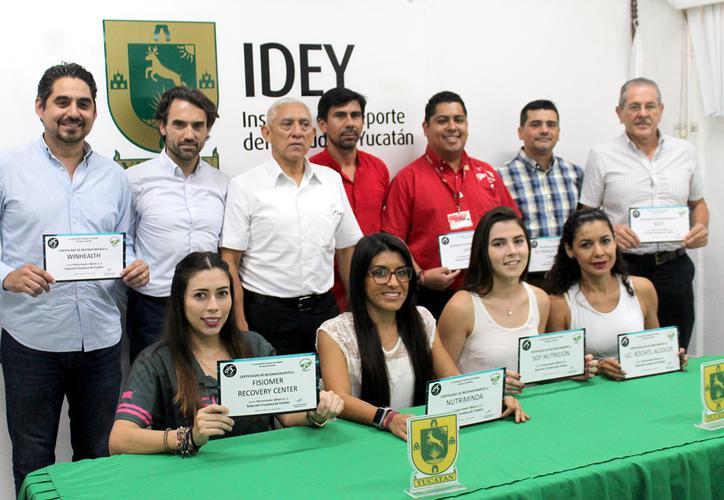 En Yucatán presentan programa de entrenamiento para triatletas yucatecos.