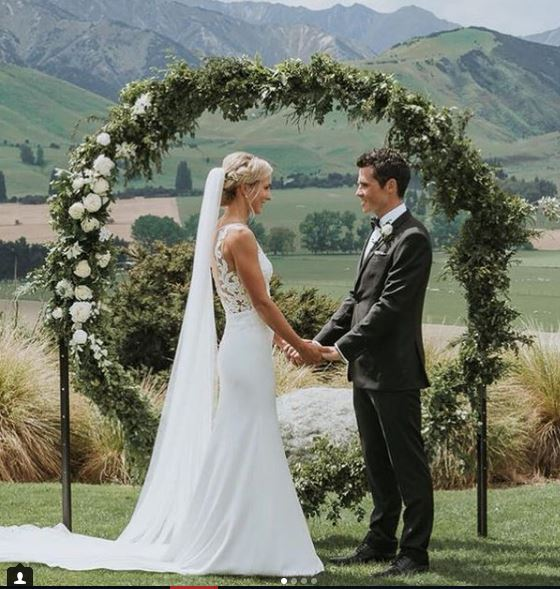 Javier Gómez Noya y Anneke Jenkins se casan en un paisaje de película.